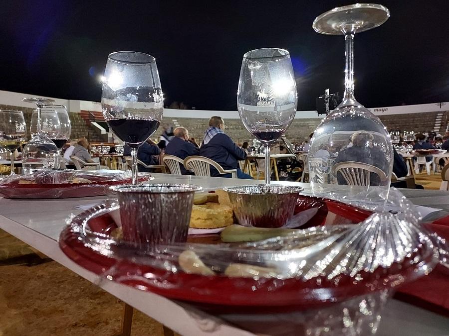 Cata de vinos en la XV Fiesta de la Vendimia de Antaño de Pedro Muñoz