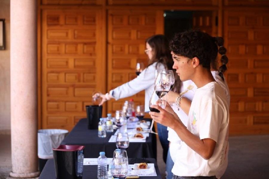 Catas maridadas, desde el CRDO La Mancha, en el Curso de Verano 'Vino y Comunicación' 2021
