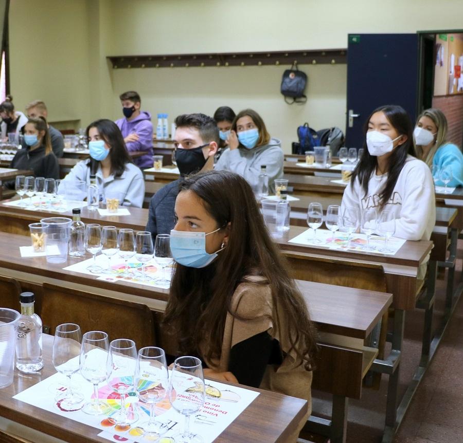 Los vinos de La Mancha, presentes en la docencia universitaria (Cata ULE 2021)